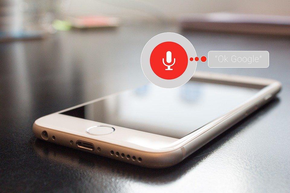 Vì sao nên dùng voice search?